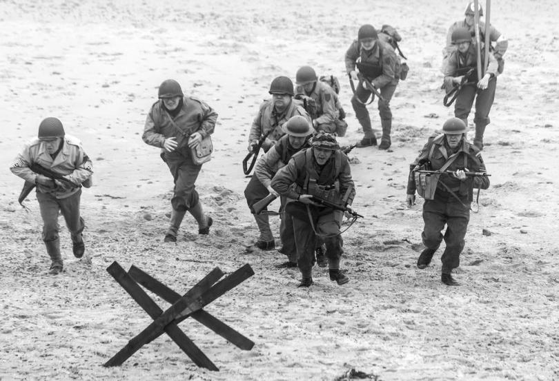 world-war-2-beach-assault-re-enactment-140143117